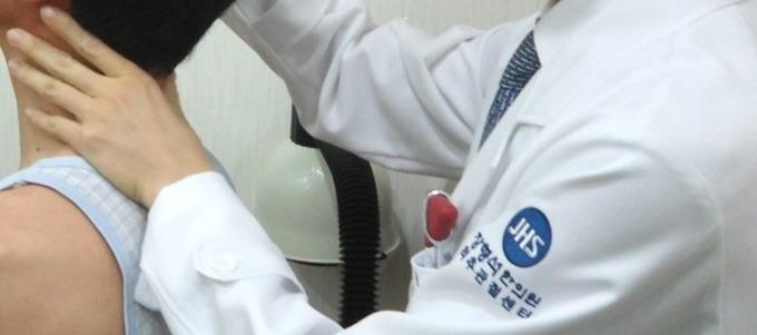 목통증을 유발하는 4가지 질환들